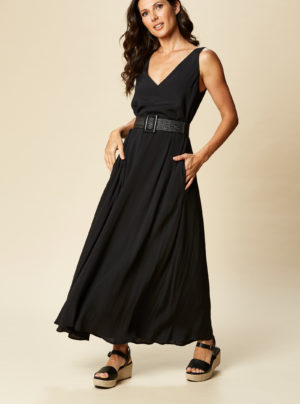 black maxi dress with v neck