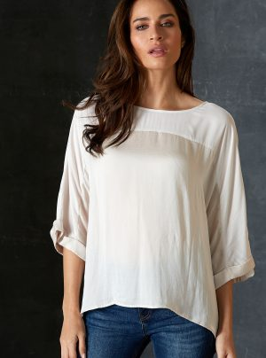 Cream top with 3/4 sleeves