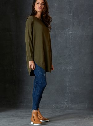 fine knit long jumper in olive