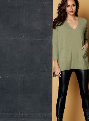 Jumper in sage with tow front pockets