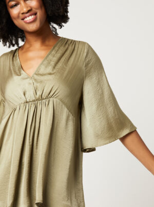 Blouse with v neck and gathering under the bust in sage green
