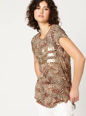 t-shirt in cheetah pattern with gold stripes on front